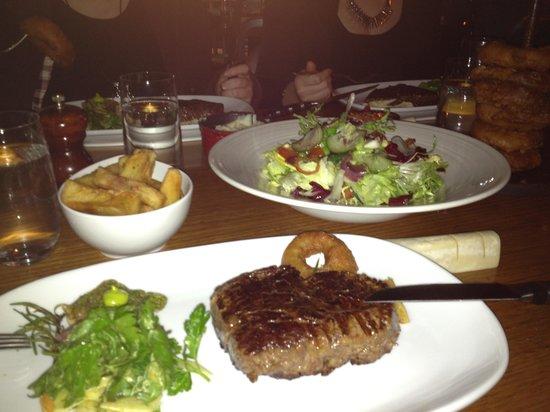 Steer Bar & Grill: Steakout!