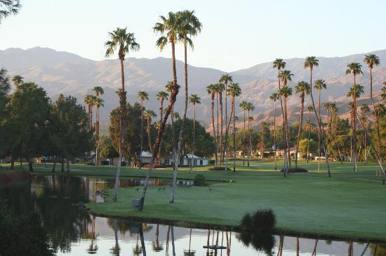 Omni Rancho Las Palmas Resort & Spa: Beautiful early morning light seen outside our balcony