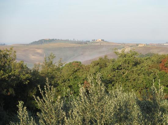 Agriturismo Cerreto: View in the morning