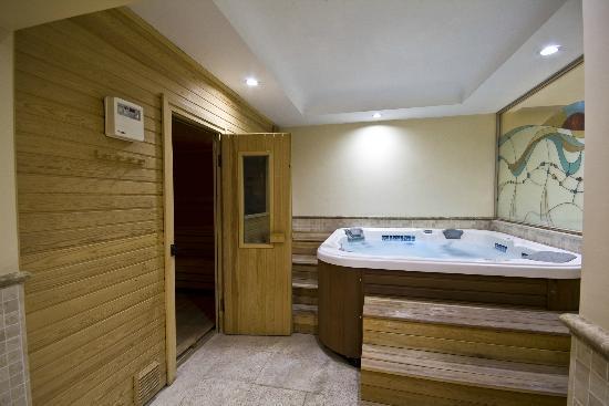 Grand Yavuz Hotel: jakuzzi-sauna