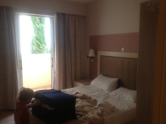 Alykanas Village Hotel: 1 of the 2 bedrooms