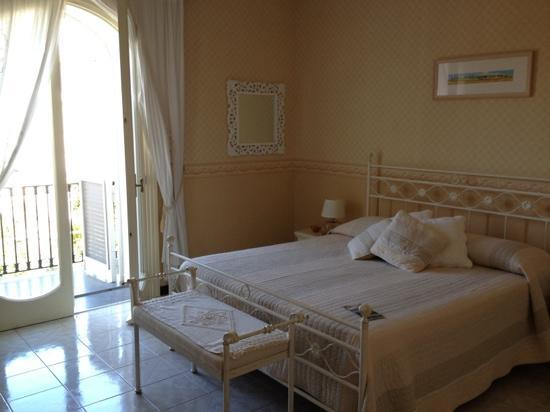 Villa Adriana Guesthouse Sorrento: beautiful room 3
