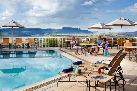 AVANI Lesotho Hotel & Casino: Hotel Exterior Pool