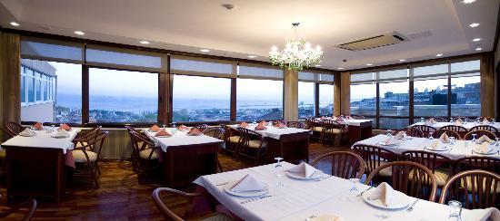 Roof restaurant bild von grand yavuz hotel istanbul for Reyyan hotel