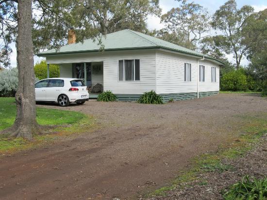 South Mokanger Farm Cottages : Mountain Duck Cottage - Cavendish, VIC, AUS