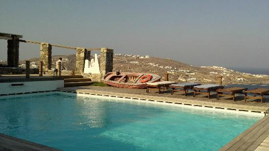 Tharroe of Mykonos Hotel: What an amazing view