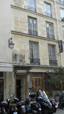 Hotel de la Place des Vosges : Street view