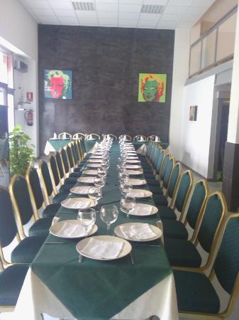 Restaurante La Granadella: SALON PRINCIPAL