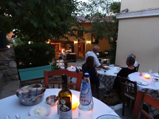 Elaia Restaurant : Outdoor step area