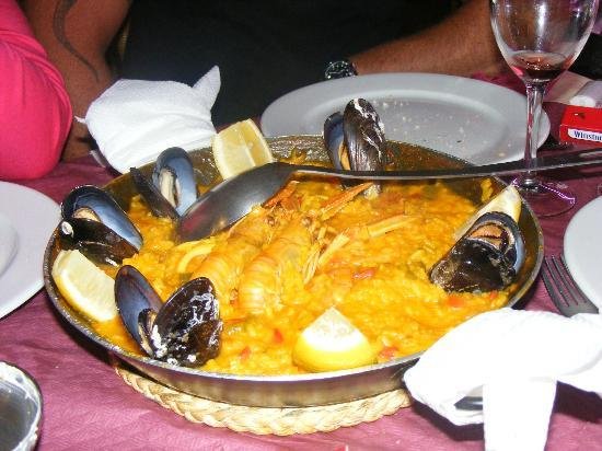 The Water Front: paella andalouse