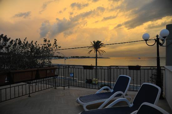 Hotel Riviera: alba dalla terrazza