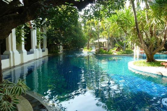 Khum Phaya Resort & Spa, Centara Boutique Collection: Pool view towards reception. Our room to the left.