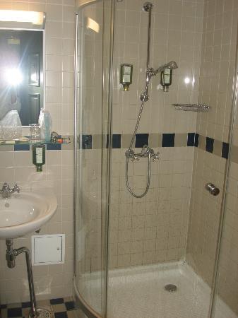 Barons Boutique Hotel: ванная комната