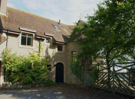 Ros-Mhor Bed and Breakfast: Ros-Mhor Courtyard