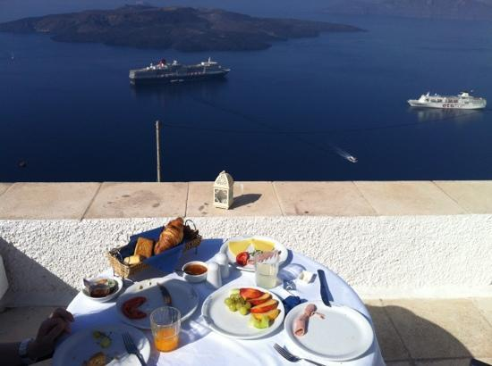 ‪إجيالوس لكشري تراديشنال سيتلمينت: a delicious breakfast with beautiful views
