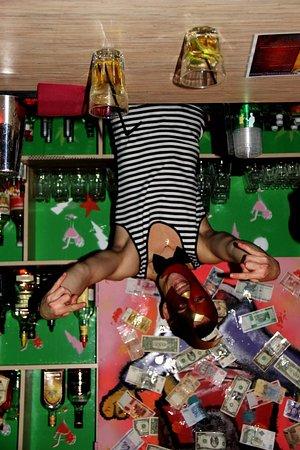 Alabama Bar: Bartender