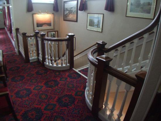 Falcon Hotel: Hotel stairs - lots of victorian charm
