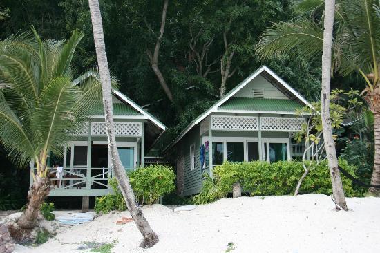 Rawa Island Resort: beach chalets
