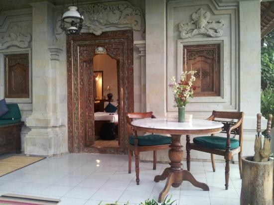 Alam Indah : The Lily Room