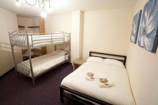 Victoria Warehouse Hotel: Double with Twin Bunks