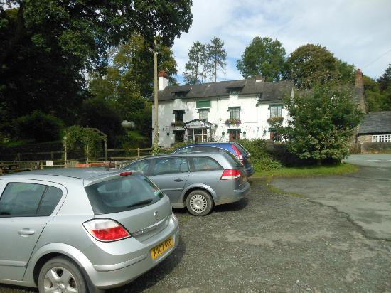 The Green Inn: Green Inn from car park