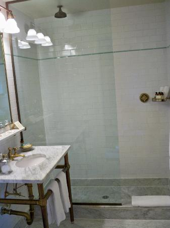 The Bowery Hotel: Bathroom