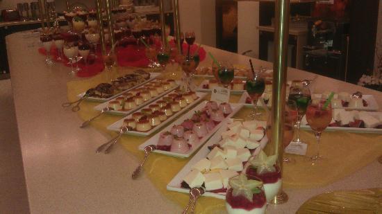 Alpenhotel Zechmeisterlehen: Dessert-Buffet