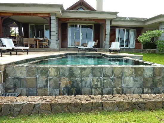 Heritage The Villas: Garden Pool area at Villa