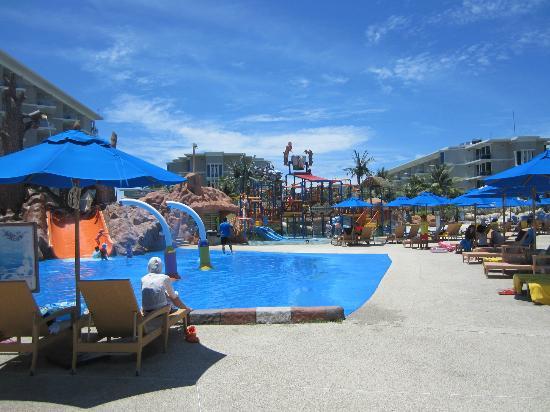 Grand West Sands Resort & Villas Phuket: Waterpark