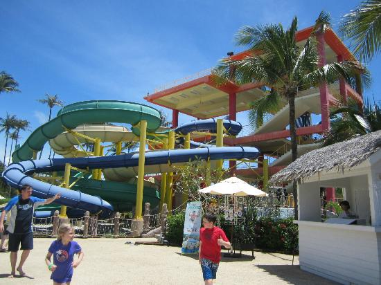 Grand West Sands Resort & Villas Phuket: Slides at waterpark