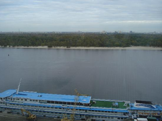 Fairmont Grand Hotel Kyiv: room with a view