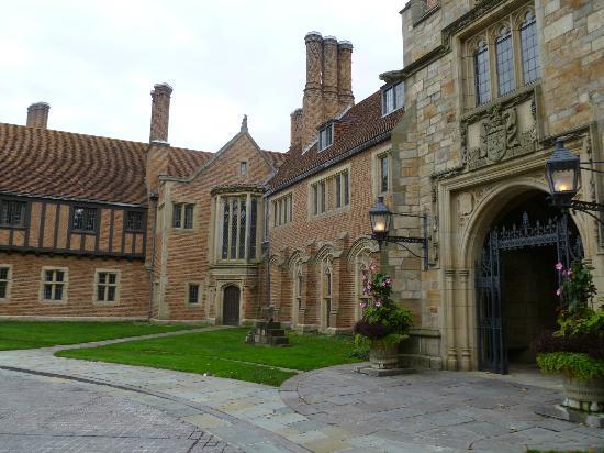 Meadow Brook Hall: Meadowbrook Hall