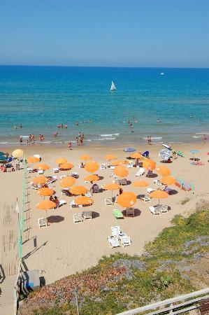 Hotel Mida : The beach