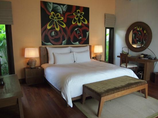 The Banjaran Hotsprings Retreat: The super king size bed