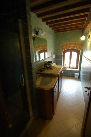 Osteria del Borgo: bathroom