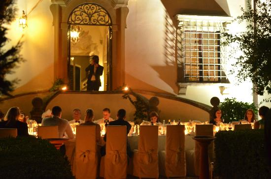 Villa Le Piazzole: candle light dinner