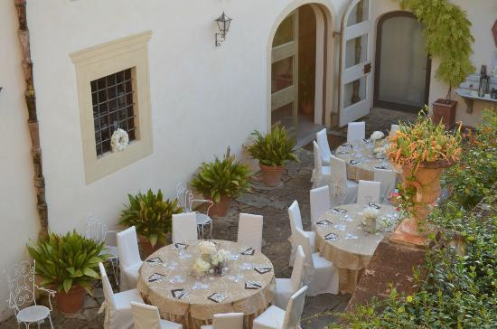Villa Le Piazzole: Setting for Pizza party