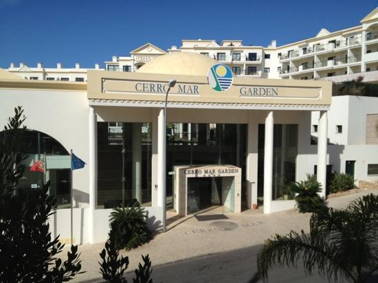 Cerro Mar Atlantico Touristic Apartments: hotel front