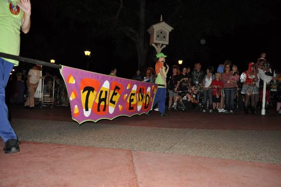 Magic Kingdom Park: The ending to the parade