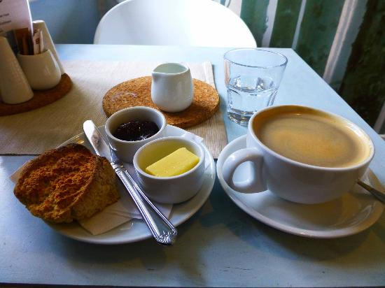 Cheesie Tchaikovsky: Wonderful coffe,homemade breads and cakes and MORE
