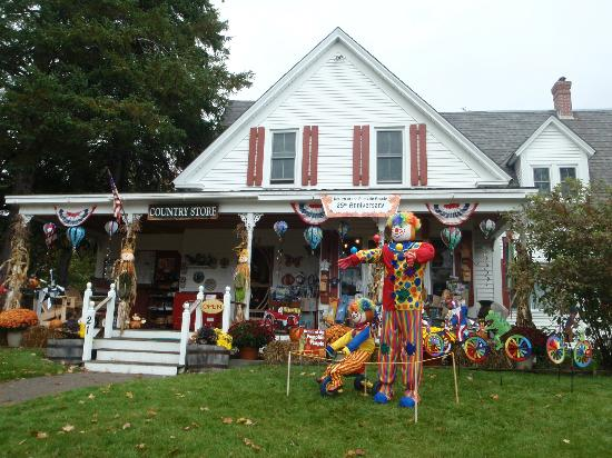 Carter Notch Inn: Flossie's General Store & Gift Emporium, Jackson