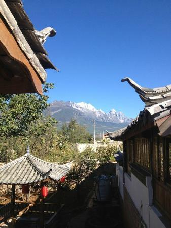 Baisha Holiday Resort Lijiang: Snow Mountain is not far away