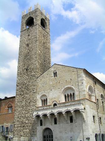 Brescia, Italien: Broletto 1
