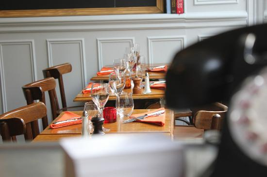 Photo of French Restaurant Bistrotters at 9 Rue Decres, Paris 75014, France