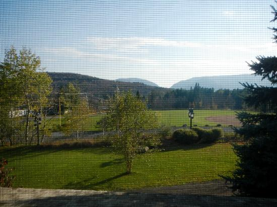 Mountain Brook: Beautiful view of the mountains from room 6