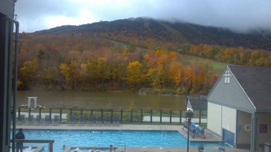 fall view pool hottubs mountain picture of. Black Bedroom Furniture Sets. Home Design Ideas