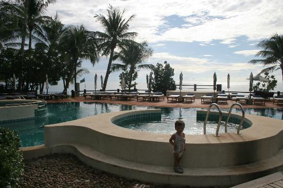Banana Fan Sea Resort: pool
