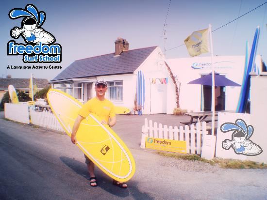 Tramore, Ireland: Freedom Surf School