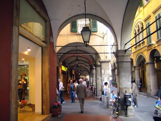 Corso Italia /Corso Italy 5