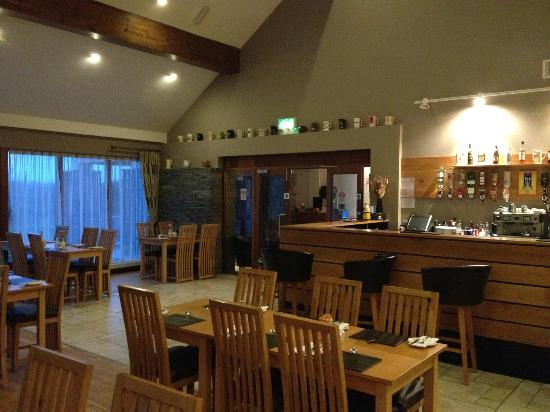 Glendarragh Valley Inn: Restaurant